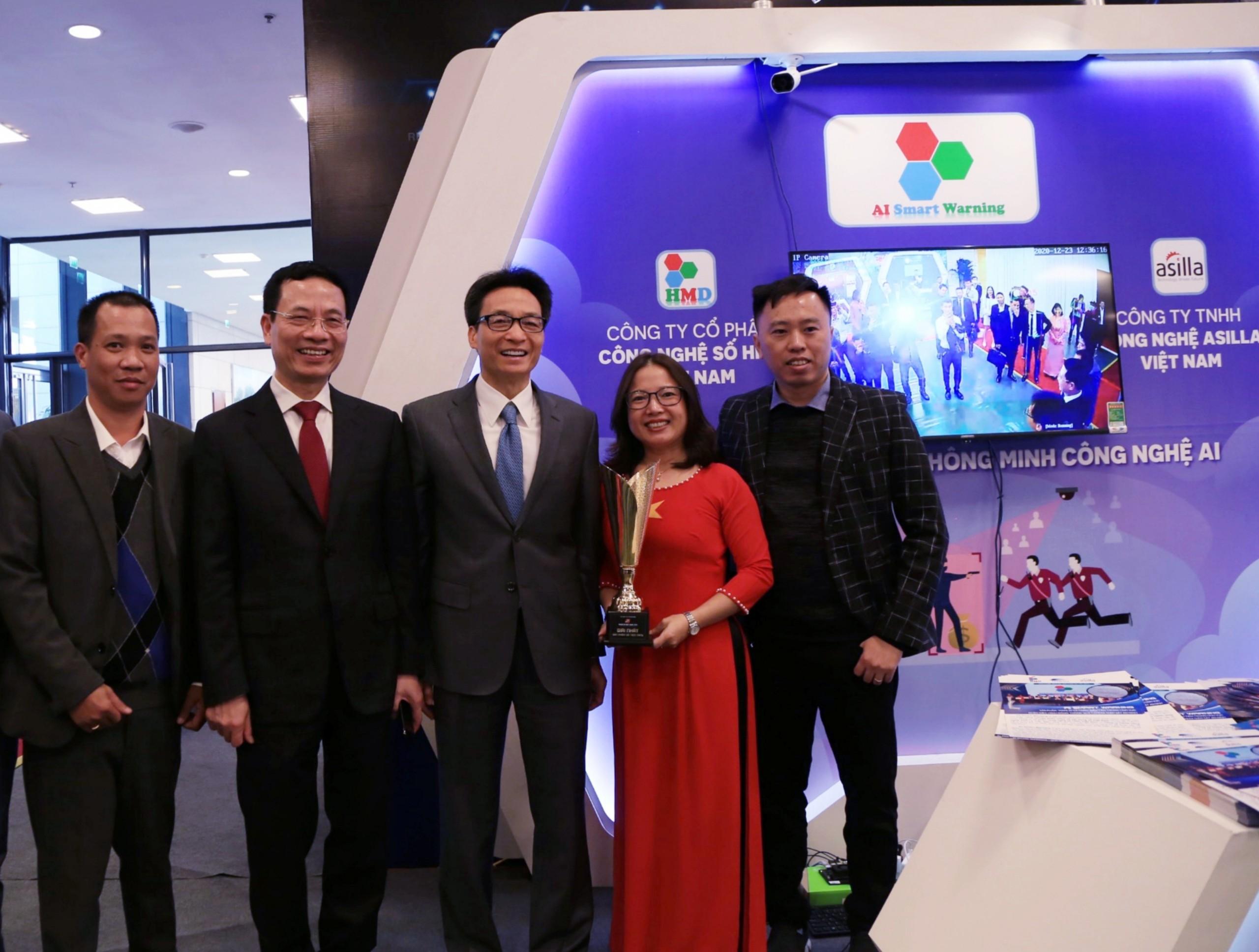 """AI SMART WARNING được vinh dự là một trong 5 sản phẩm """"Make In VietNam"""" xuất sắc 2020"""
